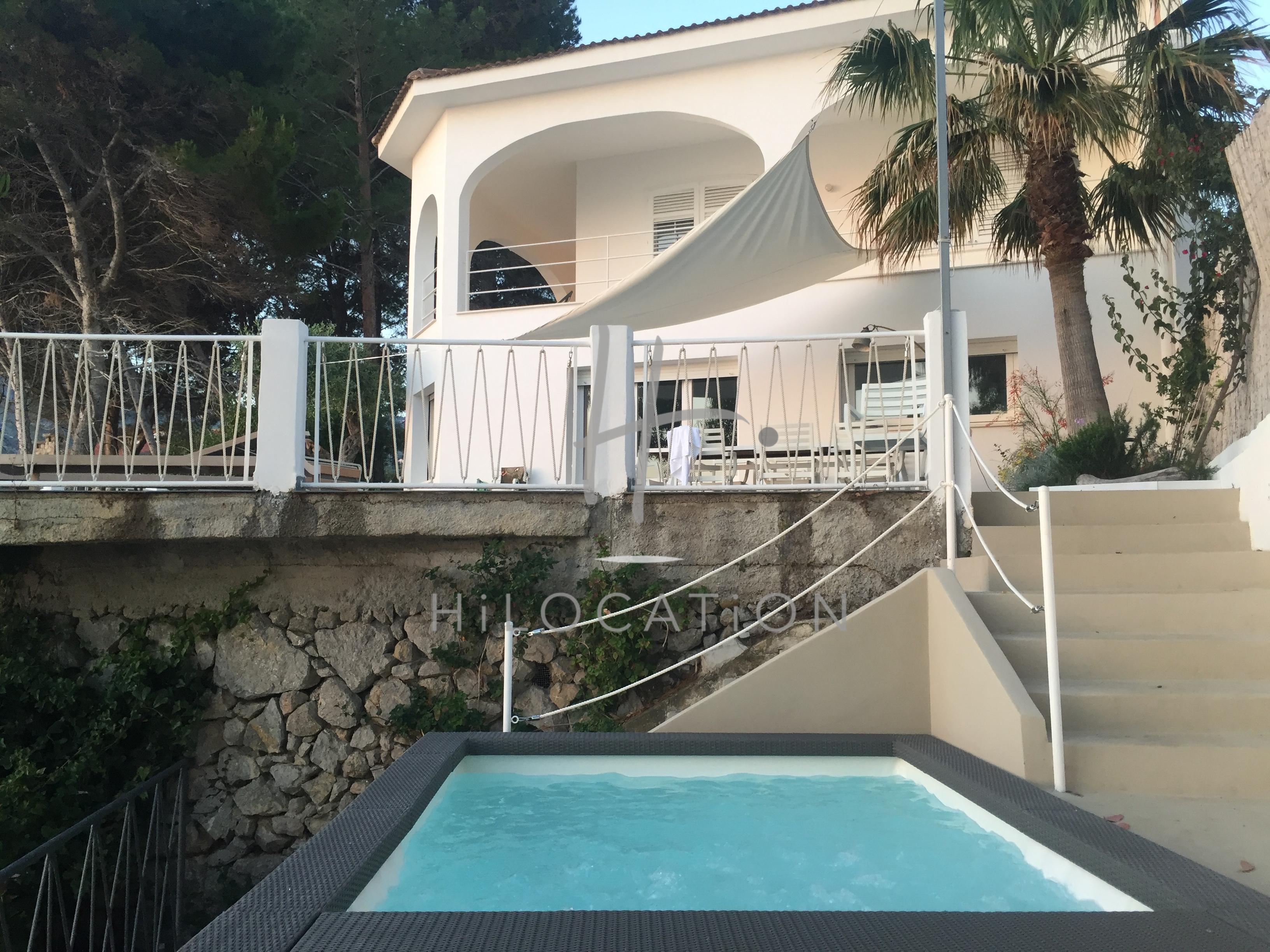 ELAIA Pool 11